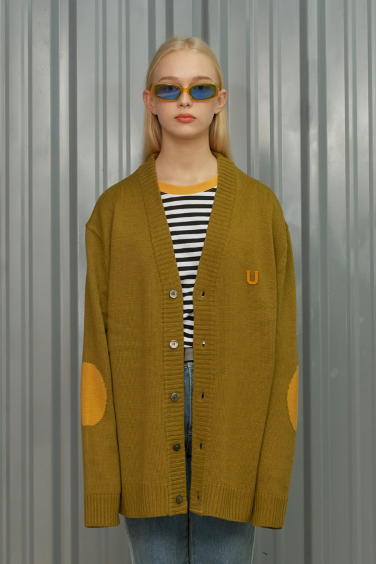 U PATCH CARDIGAN / OLIVE GREEN