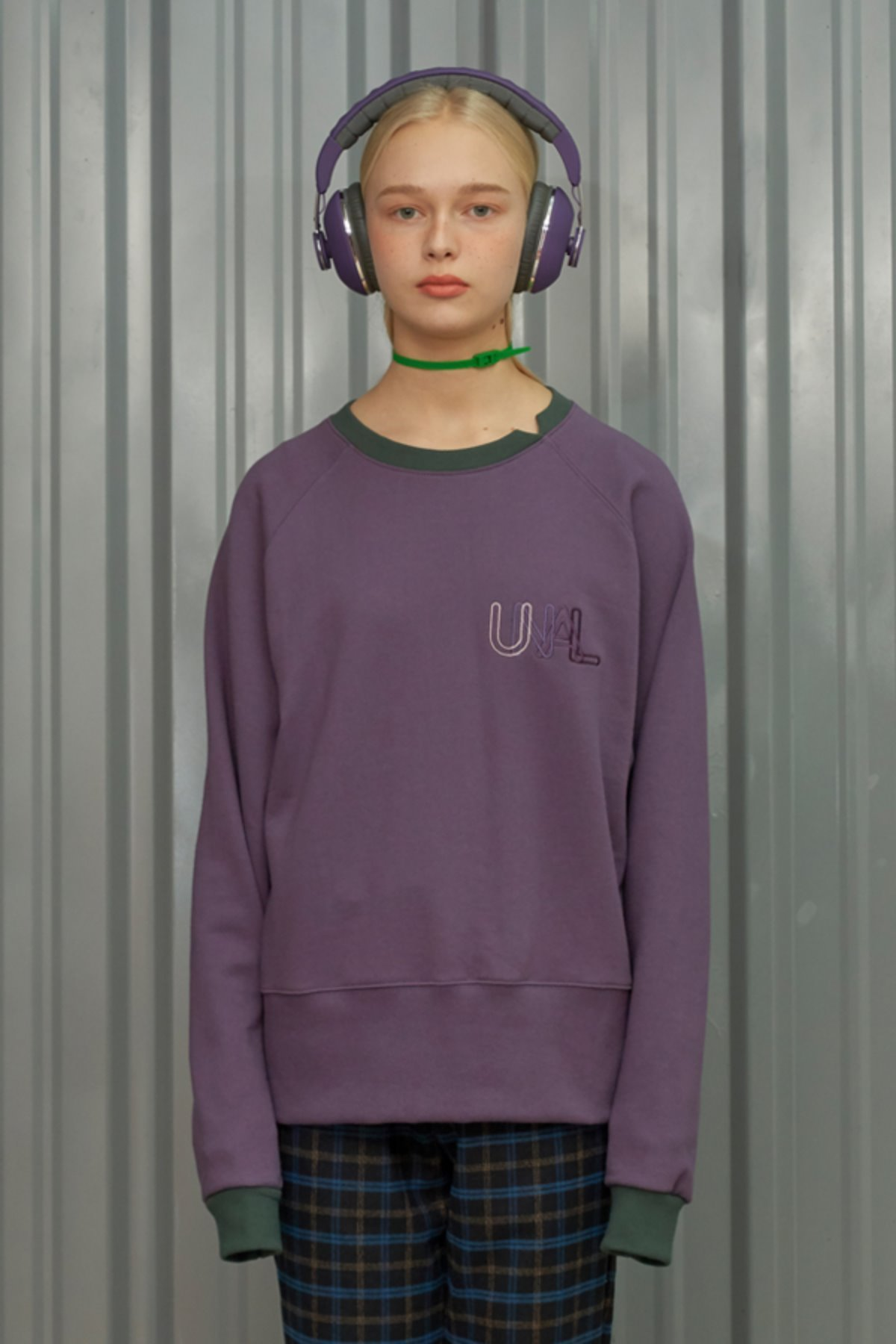 COLOR BLOCK SWEATSHIRT / PURPLE