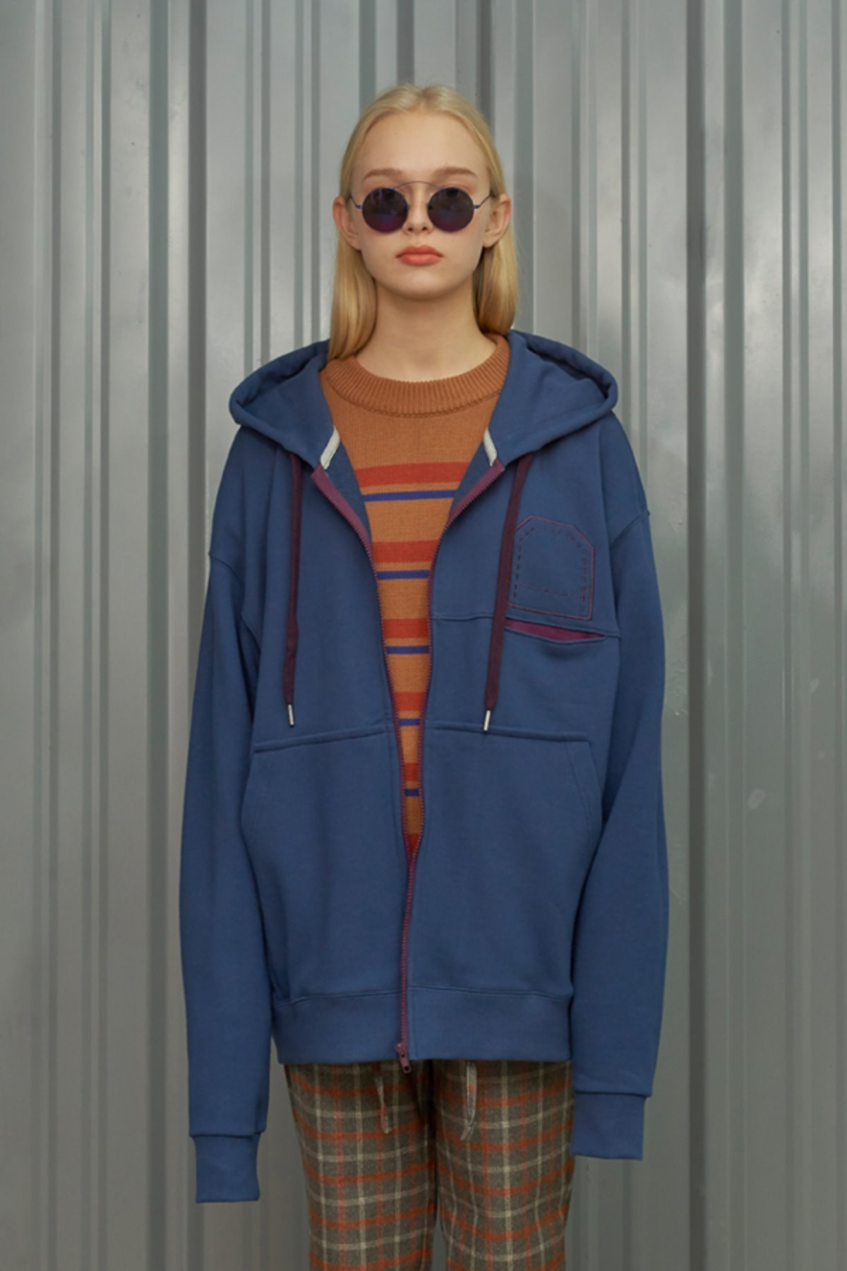 LINE POCKET ZIP-UP HOODIE / BLUE