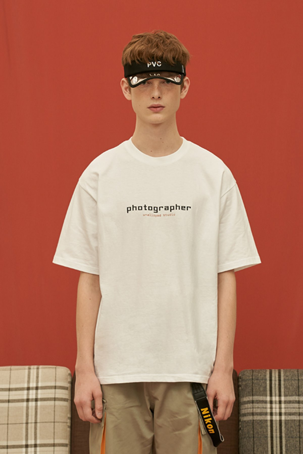 PHOTOGRAPHER T SHIRT / WHITE