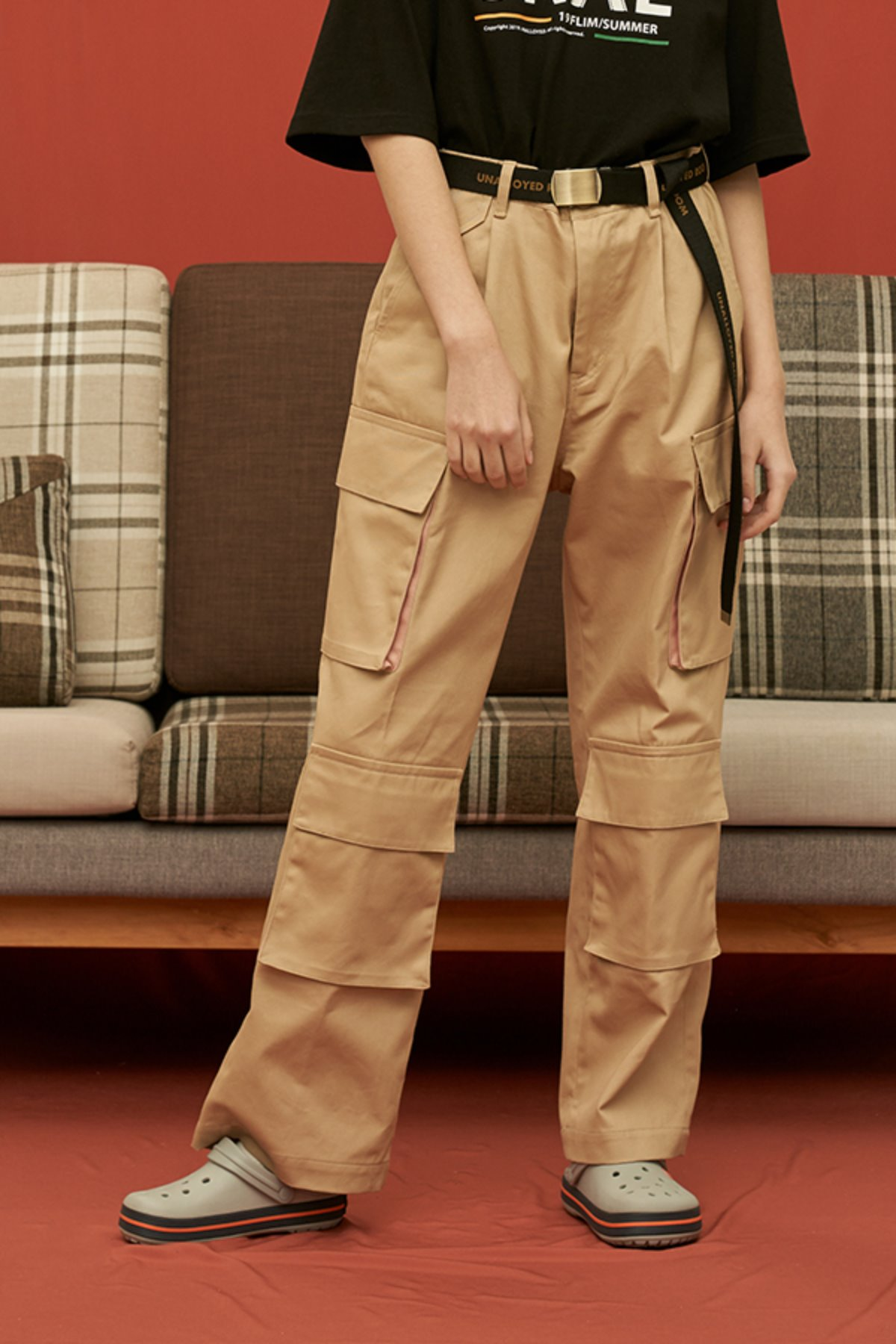 COTTON WIDE CARGO PANTS / BEIGE