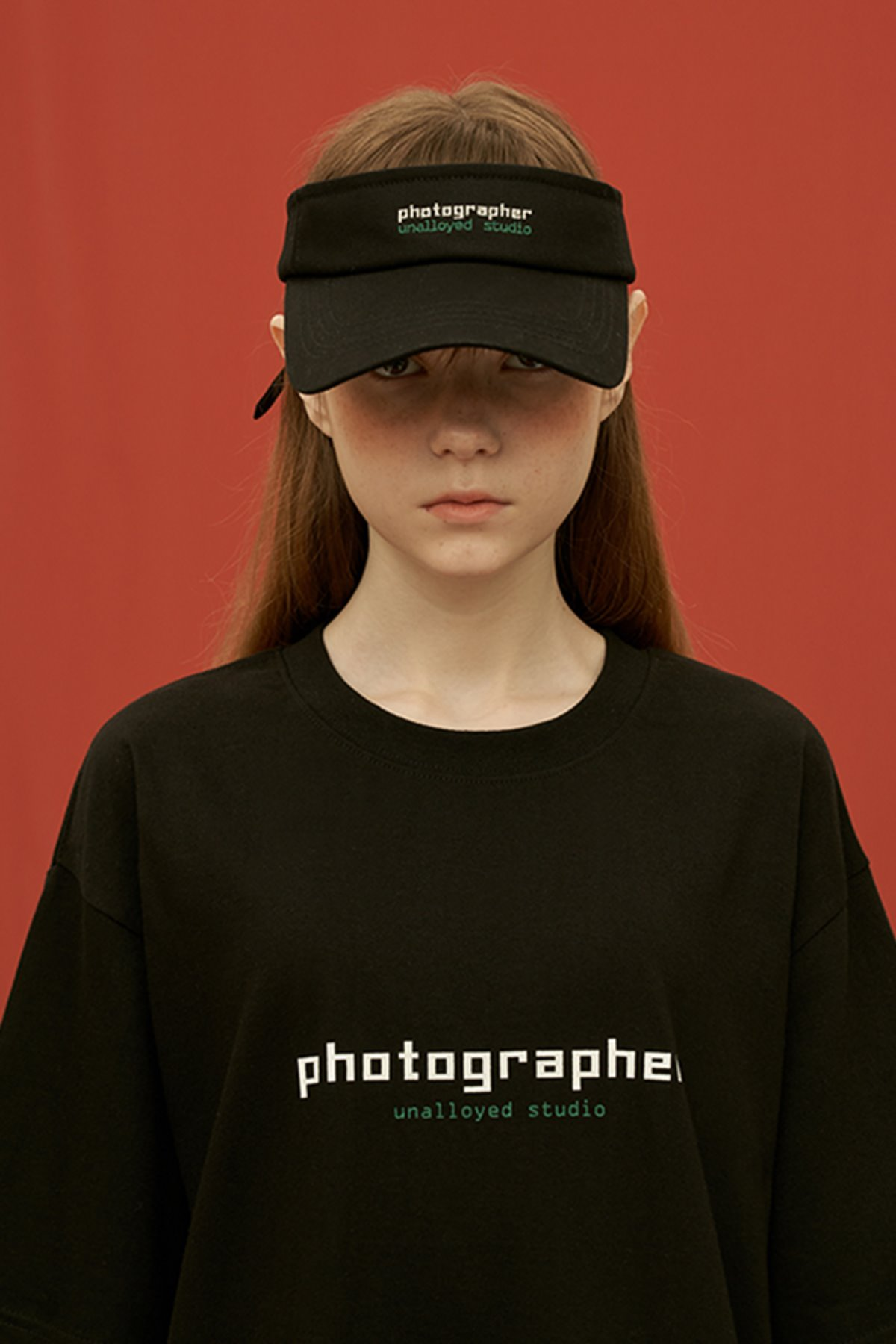 PHOTOGRAPHER SUNCAP / BLACK