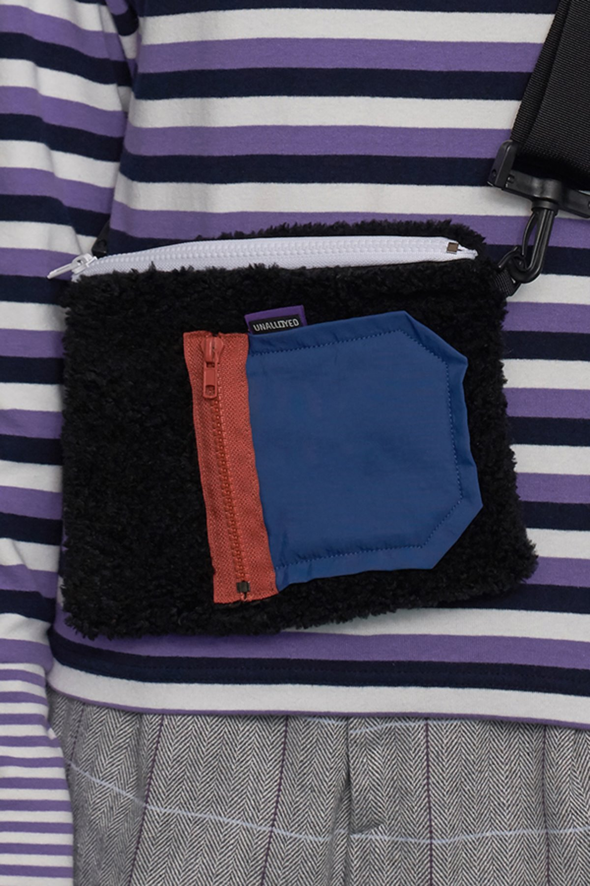 POCKET FLEECE SACOCHE BAG / BLACK