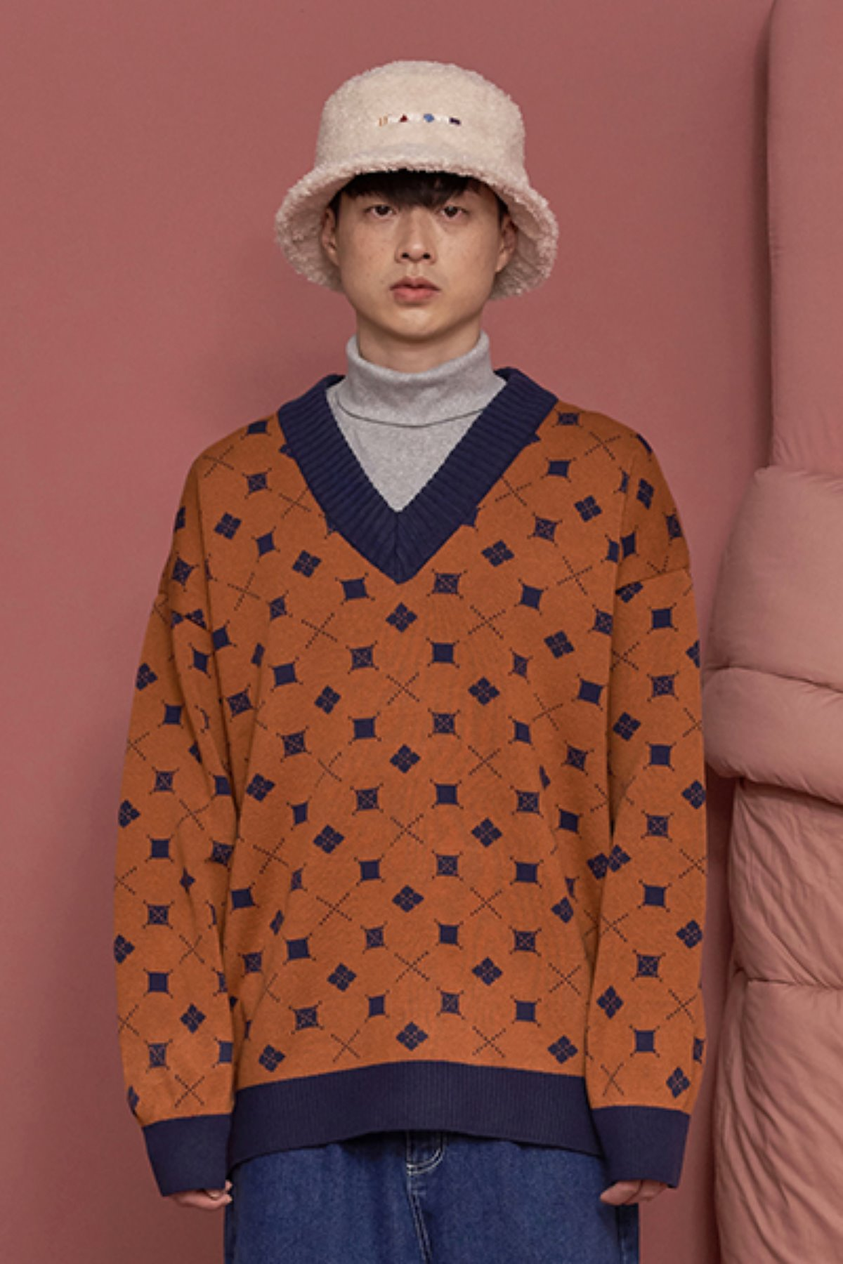 MINI ARGYLE V NECK KNIT / ORANGE