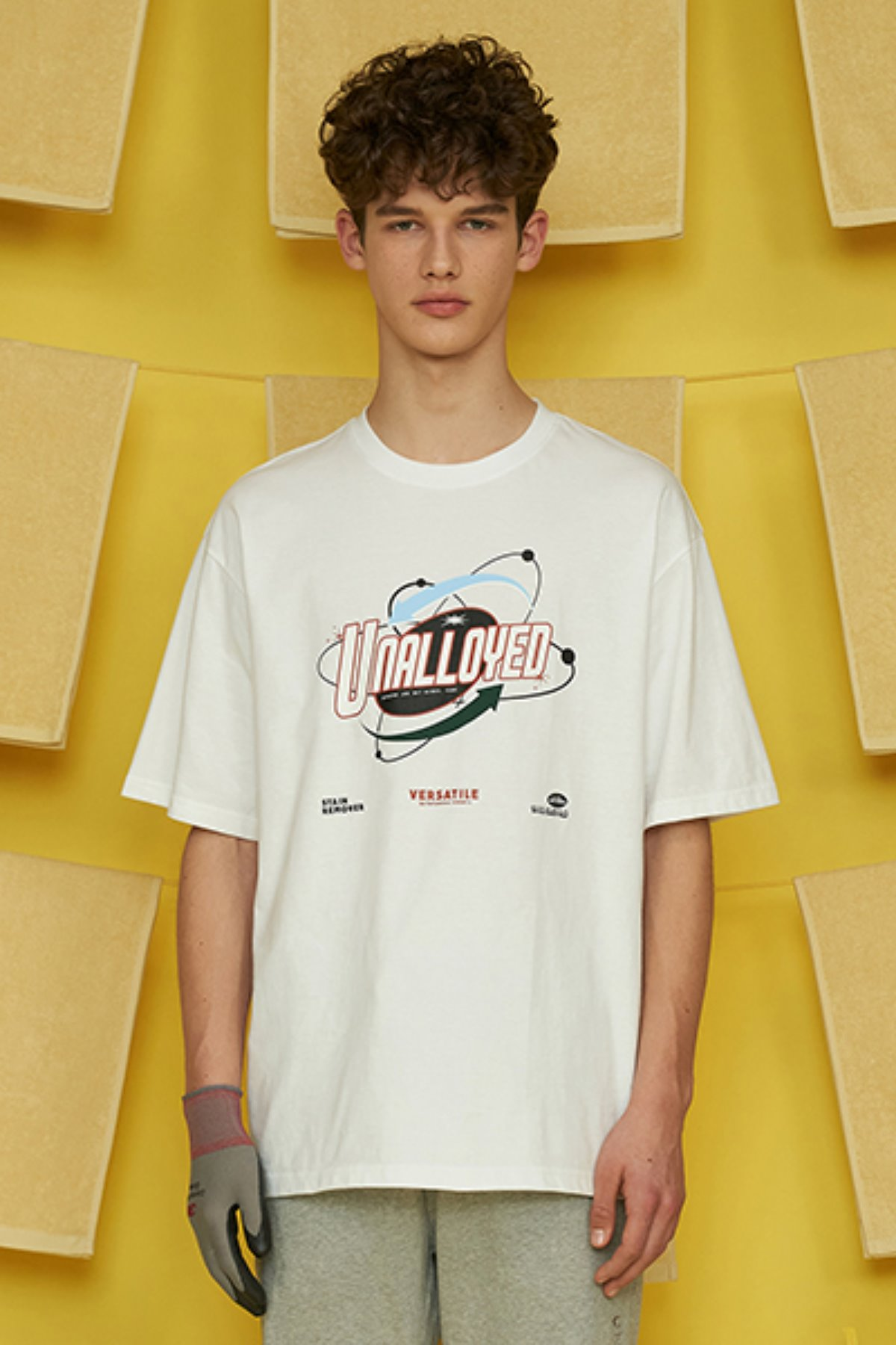 LAUNDRY T SHIRT / WHITE